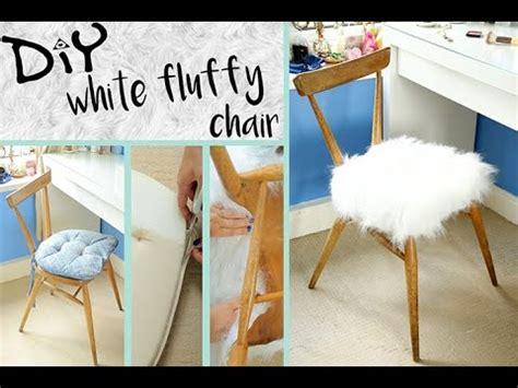 Diy-Fluffy-Chair