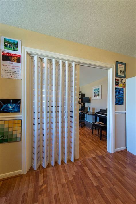 Diy-Folding-Room-Divider-Door