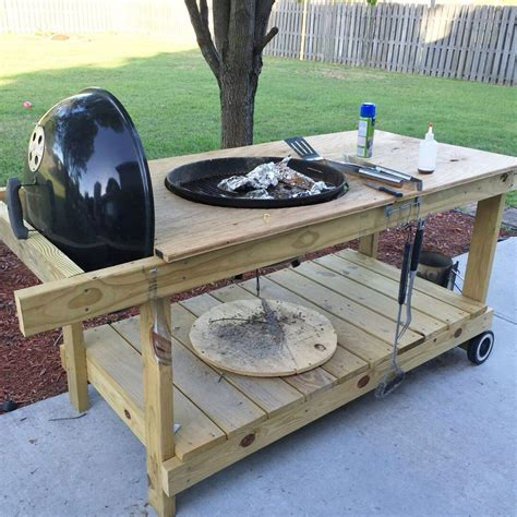 Diy-Folding-Table-For-Weber-Grill