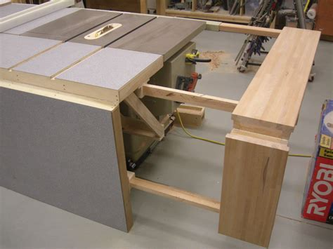 Diy-Folding-Table-Saw-Extension