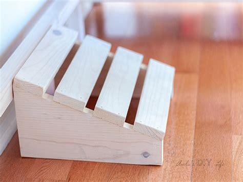 Diy-Foot-Rest-Under-Desk