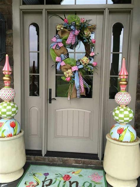 Diy-Front-Door-Decor-Pink-Green