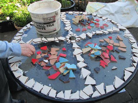 Diy-Glass-Tile-Table-Top