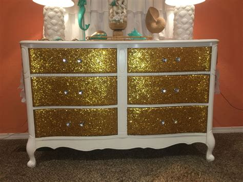 Diy-Glitter-Paint-For-Furniture