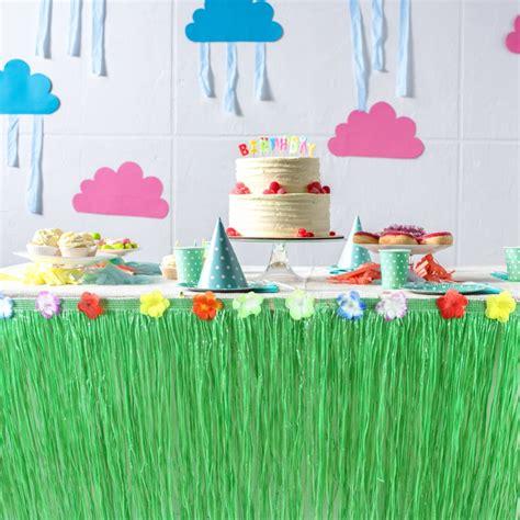 Diy-Grass-Table-Skirt