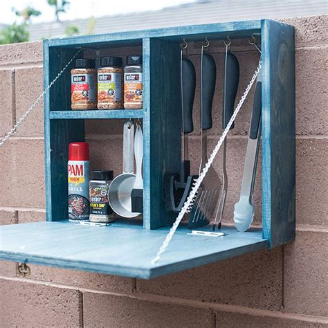Diy-Grilling-Tools-Shelf