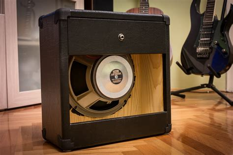 Diy-Guittar-Cabinet-Speakers