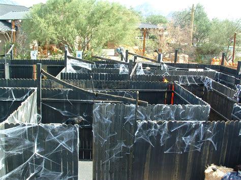 Diy-Halloween-Maze