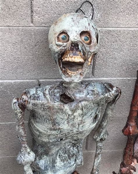 Diy-Halloween-Props-Scary