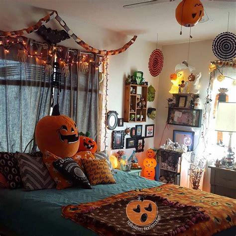 Diy-Halloween-Room-Decor