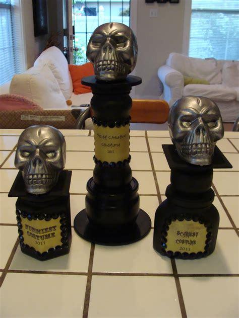 Diy-Halloween-Trophies