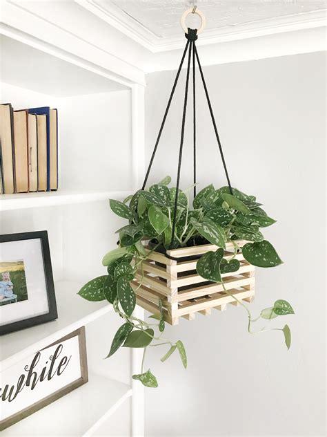 Diy-Hanging-Planter-Box