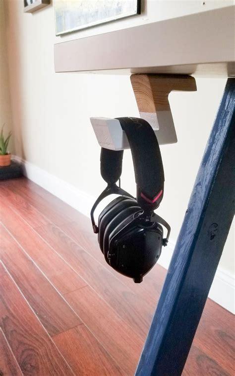 Diy-Headphone-Holder-Under-Desk