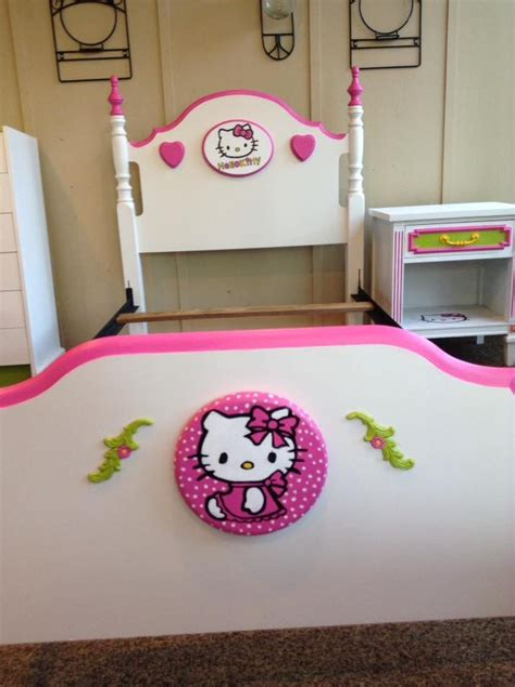 Diy-Hello-Kitty-Dresser