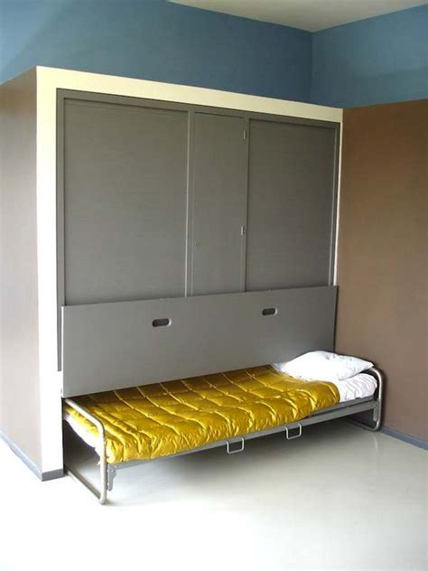 Diy-Hideaway-Bed