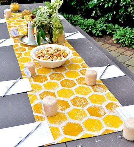 Diy-Honeycomb-Table-Runner