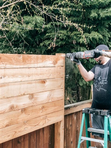 Diy-Horizontal-Wood-Fence-Panels-Pine