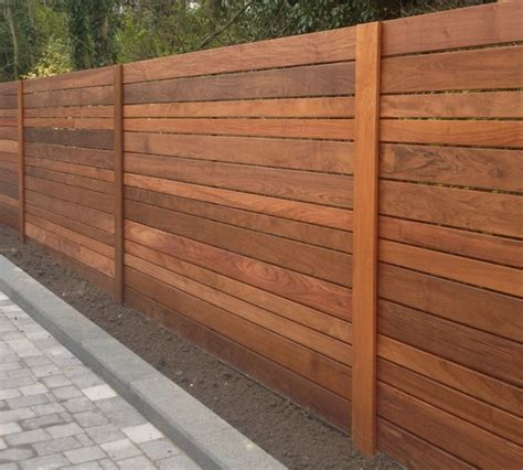 Diy-Horizontal-Wood-Paneling-For-Garden