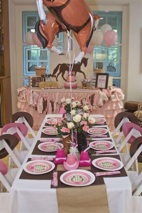 Diy-Horse-Themed-Table