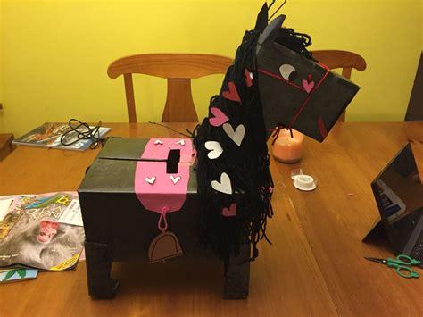 Diy-Horse-Valentine-Box