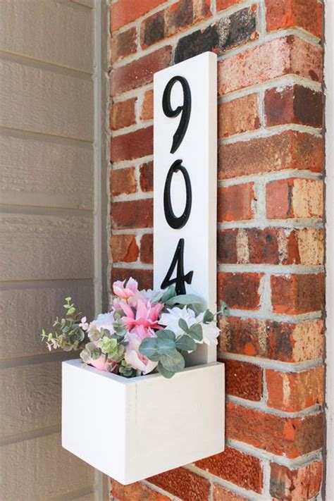 Diy-House-Number-Planter-Box