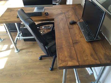 Diy-Industrial-Corner-Desk