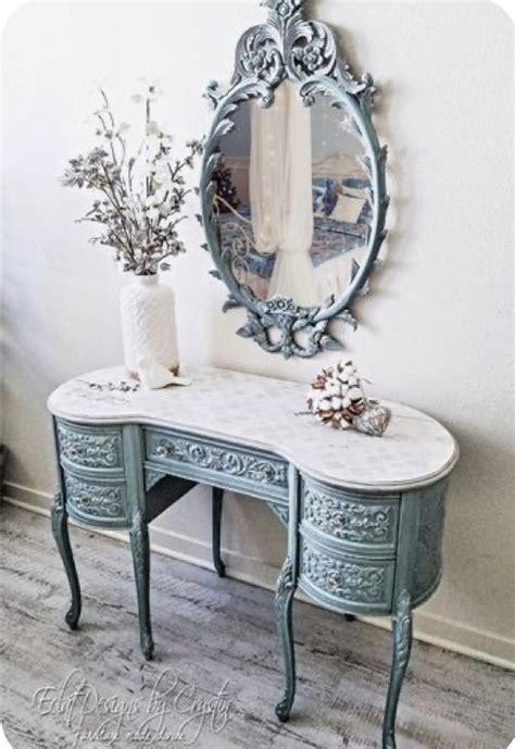Diy-Kidney-Shaped-Dressing-Table
