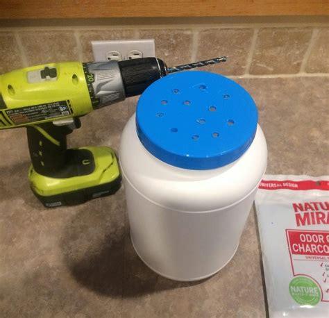 Diy-Kitchen-Compost-Bin-Charcoal-Filter