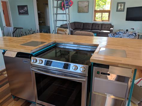 Diy-Kitchen-Island-With-Oven