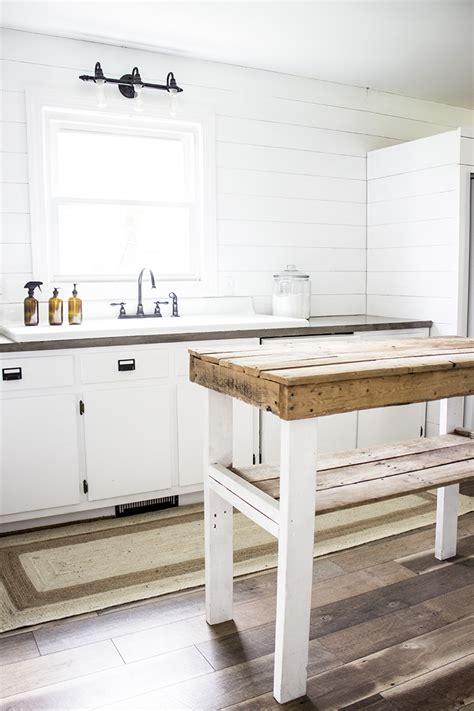 Diy-Kitchen-Work-Table