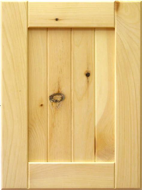 Diy-Knotty-Pine-Cabinet-Doors