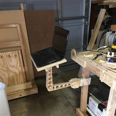 Diy-Laptop-Stand-For-Chair