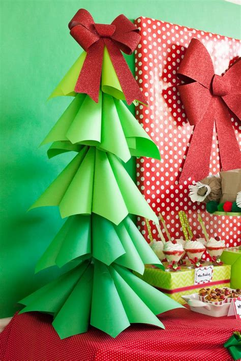 Diy-Large-Paper-Christmas-Tree