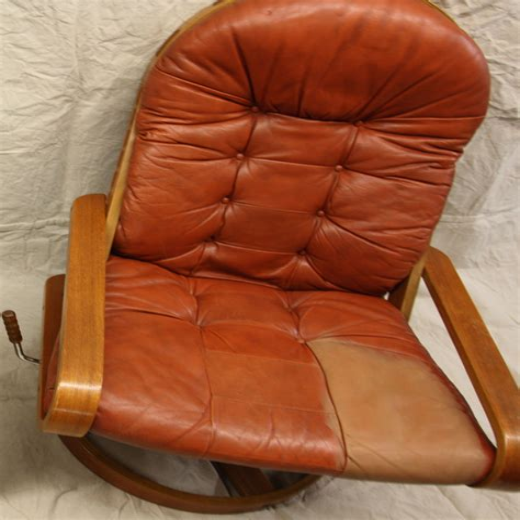 Diy-Leather-Dye-Furniture
