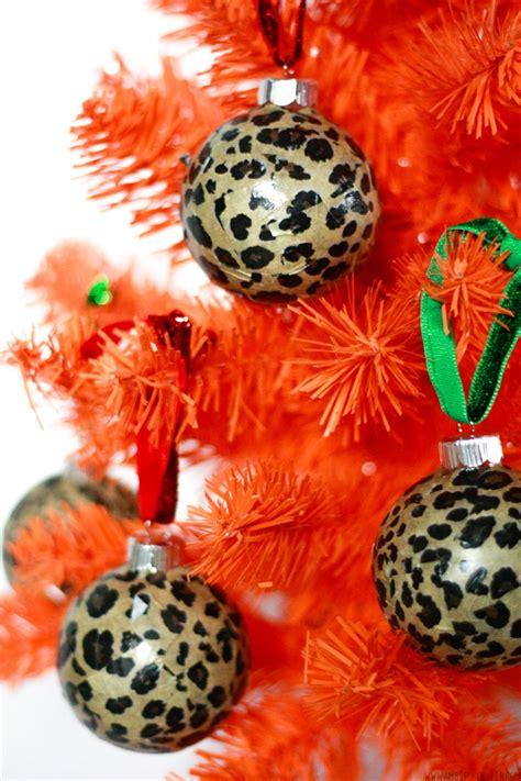 Diy-Leopard-Print-Ornaments