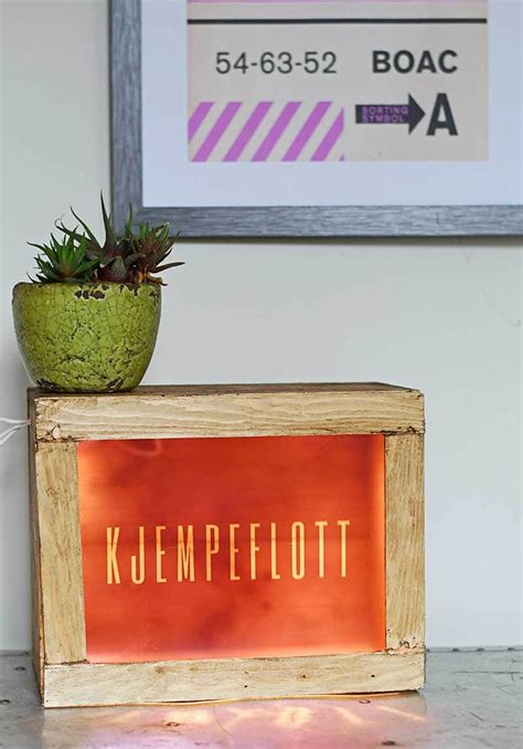 Diy-Light-Box-Signage