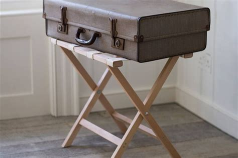 Diy-Luggage-Rack-For-Bedroom