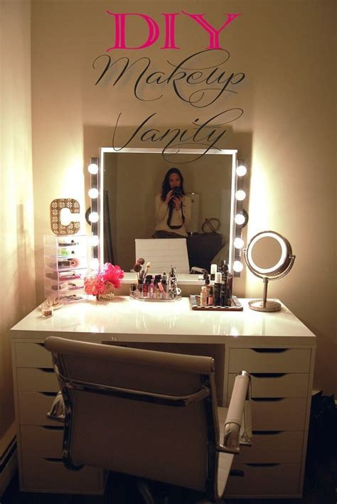 Diy-Makeup-Vanity-Table-With-Lights
