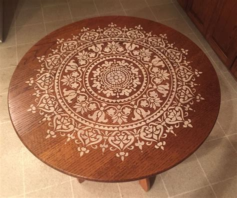 Diy-Mandala-Stenciling-On-Table