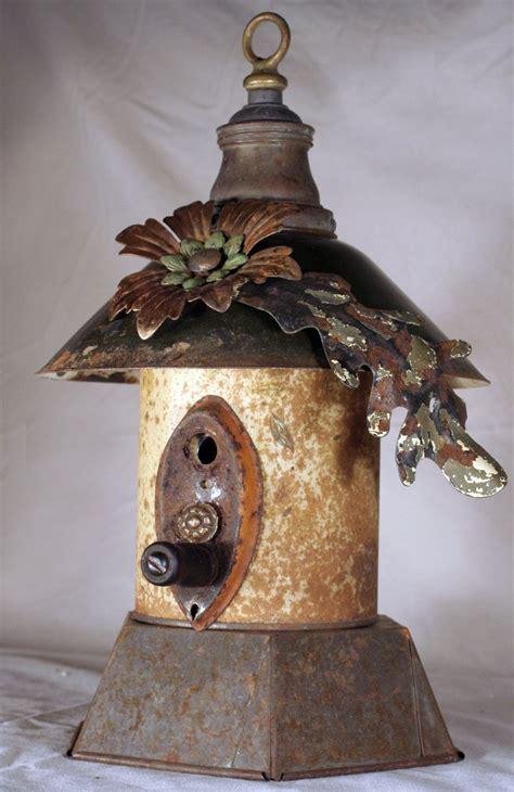 Diy-Metal-Birdhouse