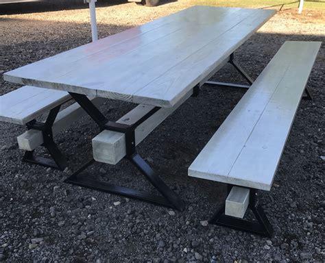 Diy-Metal-Pipe-Picnic-Table