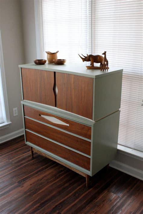 Diy-Mid-Century-Furniture-Refinish