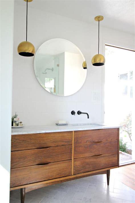 Diy-Mid-Century-Modern-Bathroom-Vanity