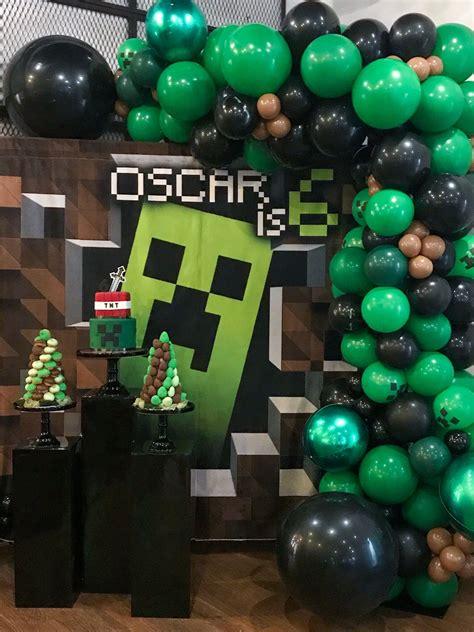 Diy-Minecraft-Door-Colums-Kids-Bedroom