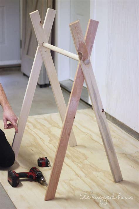 Diy-Mini-Clothes-Rack