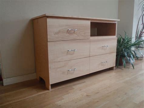 Diy-Minimal-Dresser