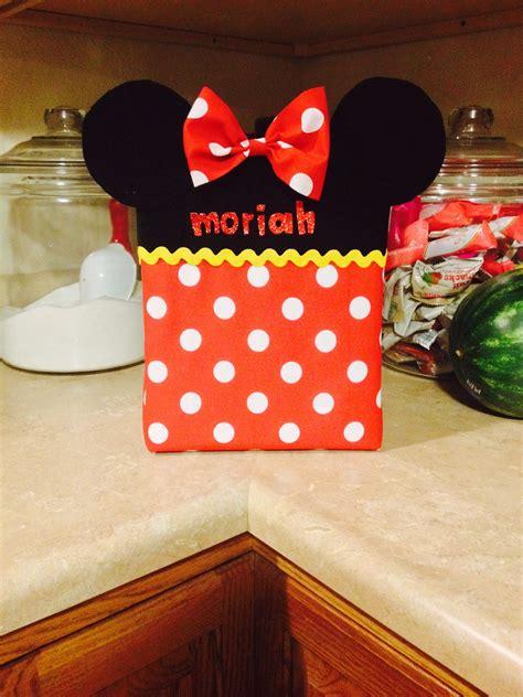 Diy-Minnie-Mouse-Valentines-Box