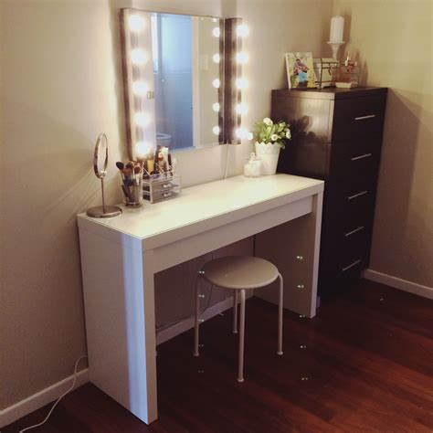 Diy-Mirrored-Dressing-Table