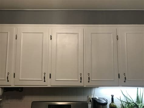 Diy-Molding-On-Cabinet-Doors