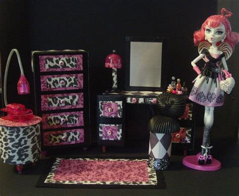 Diy-Monster-High-Doll-Furniture